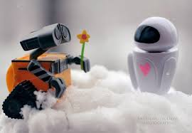 http://img.allw.mn/content/www/2010/09/top-10-most-adorable-movie-couples/walle-and-eve-walle_top-10-most-adorable-movie-couples.jpg