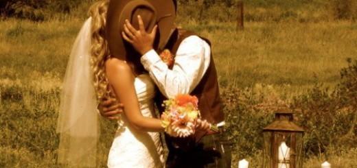 Von: http://grannyintraining.files.wordpress.com/2012/12/country-girls-wedding.jpg
